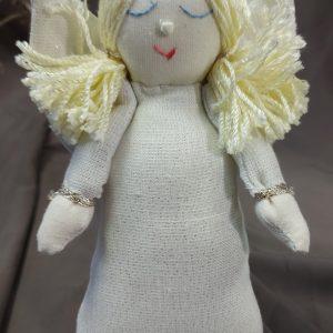 rankų darbo iš lino audinio pasiūtas baltas angeliukas