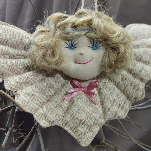 rankų darbo iš lino audinių pasiūtas angeliukas